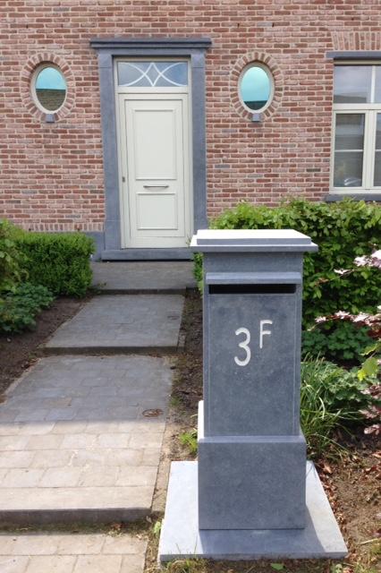 Moderne Hausnummernschilder
